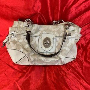 Authentic Coach Shoulder Purse in Ivory